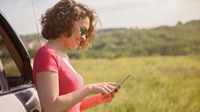 Tankstellenpreise mithilfe von Smartphone-Apps vergleichen