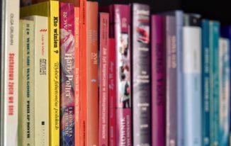 Für neue Bücher Platz schaffen: Buchankauf-Anbieter im Vergleich